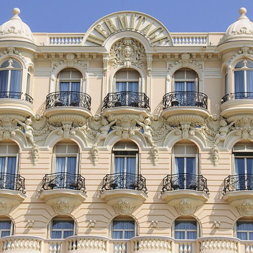 Low consumer confidence in hotels