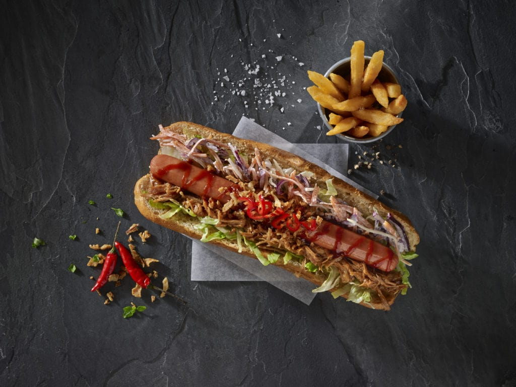 Louisiana Hot Dogs With Chips